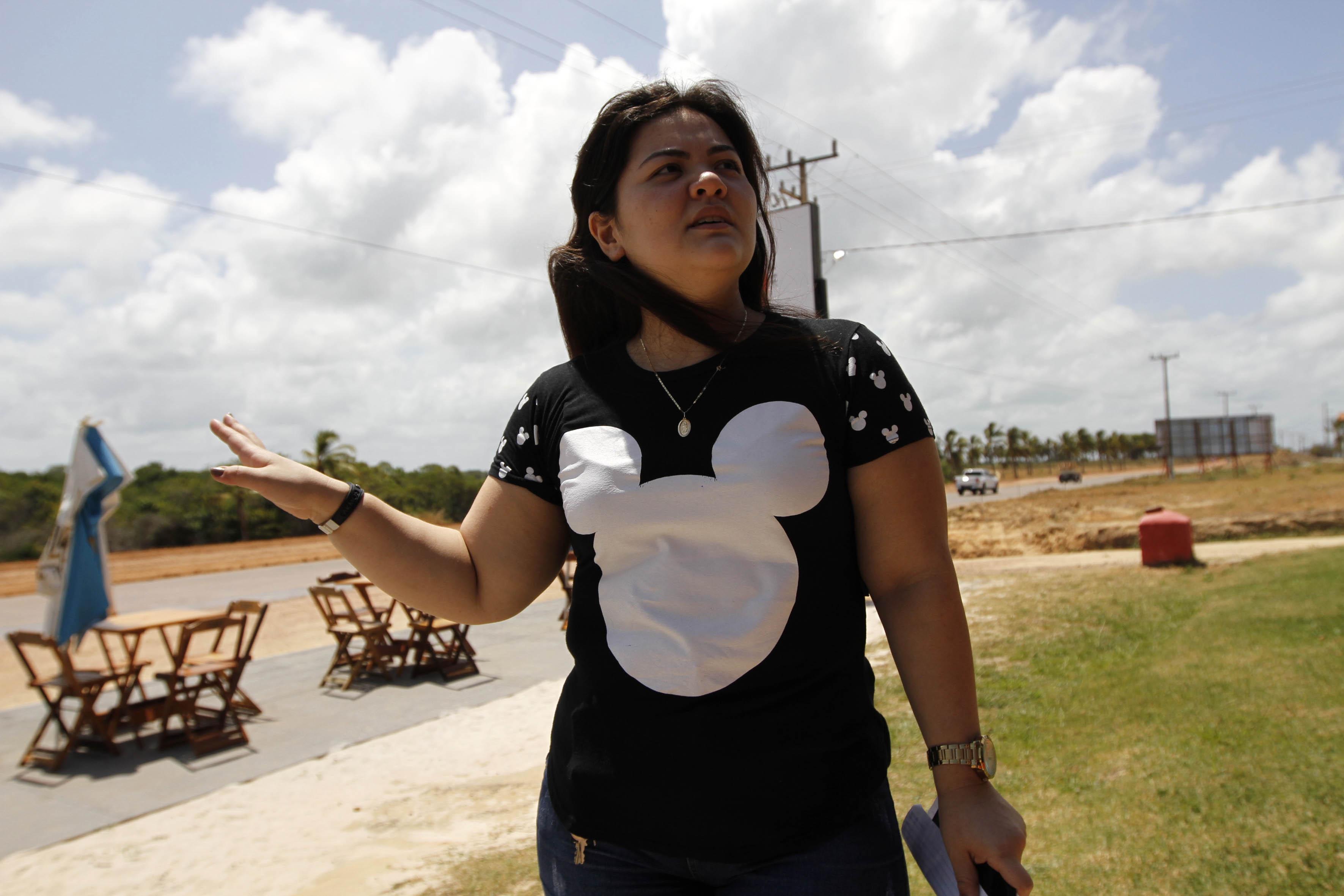 Outra que comemorou a chegada da frente de obras é Luciana Nagata, sócia de um restaurante que fica no KM 5 da PA-444.