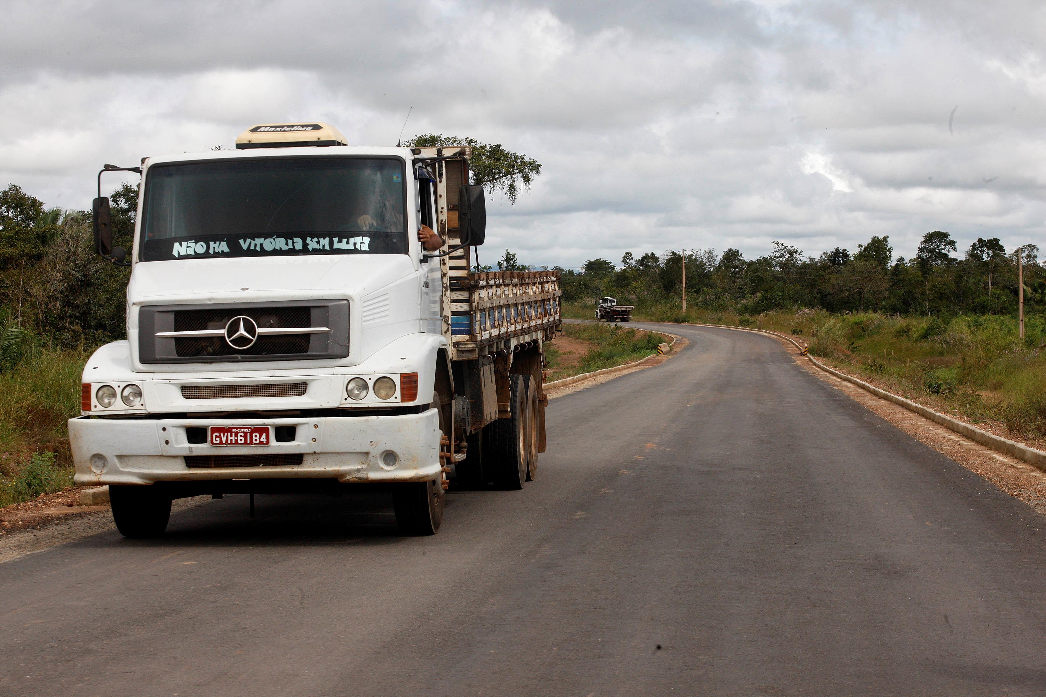 Pavimentação da vicinal do Bambu, na Rodovia PA-449, que beneficia diretamente a população de Floresta do Araguaia